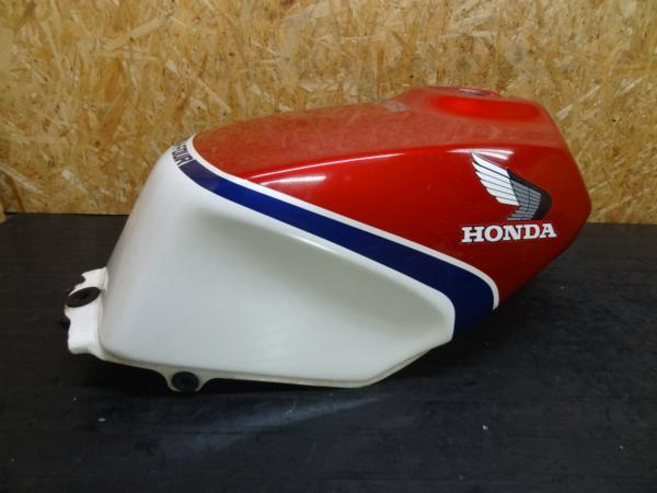 【150108】VF750F(RC15)◆ガソリンタンク 燃料 フューエル 難有 | 中古バイクパーツ通販・買取 ジャンクヤード鳥取 JunkYard