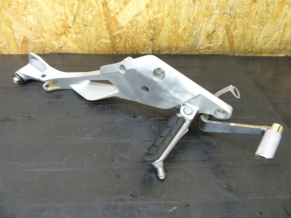 【150219】CB400SF Revo(NC42)◎ステップ 右 ブレーキペダル難有 | 中古バイクパーツ通販・買取 ジャンクヤード鳥取 JunkYard