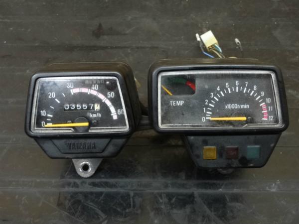 【150110】DT50(17W)◇スピードメーター タコメーター 6V 難有   中古バイクパーツ通販・買取 ジャンクヤード鳥取 JunkYard