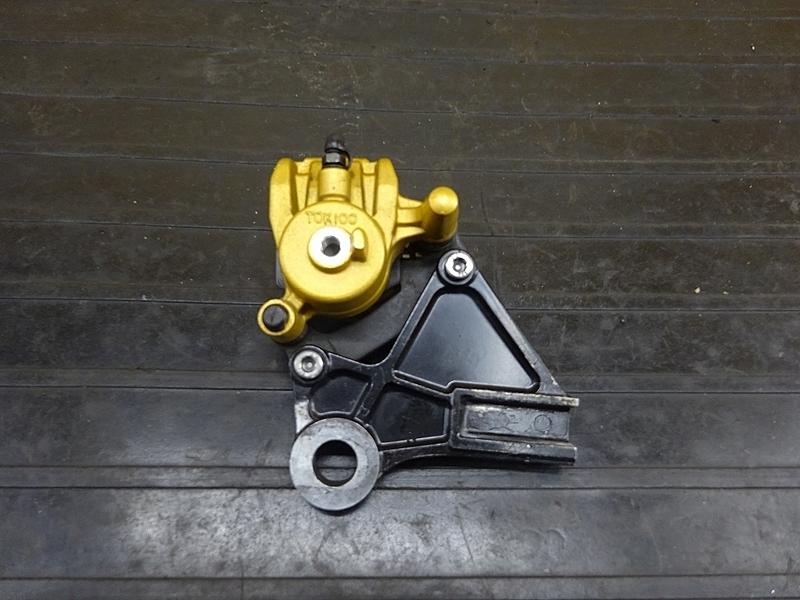 【190501.K】ZX-10R'04-05● リアブレーキキャリパー サポート TOKIKO 【C型 ZX1000C ニンジャ   中古バイクパーツ通販・買取 ジャンクヤード鳥取 JunkYard