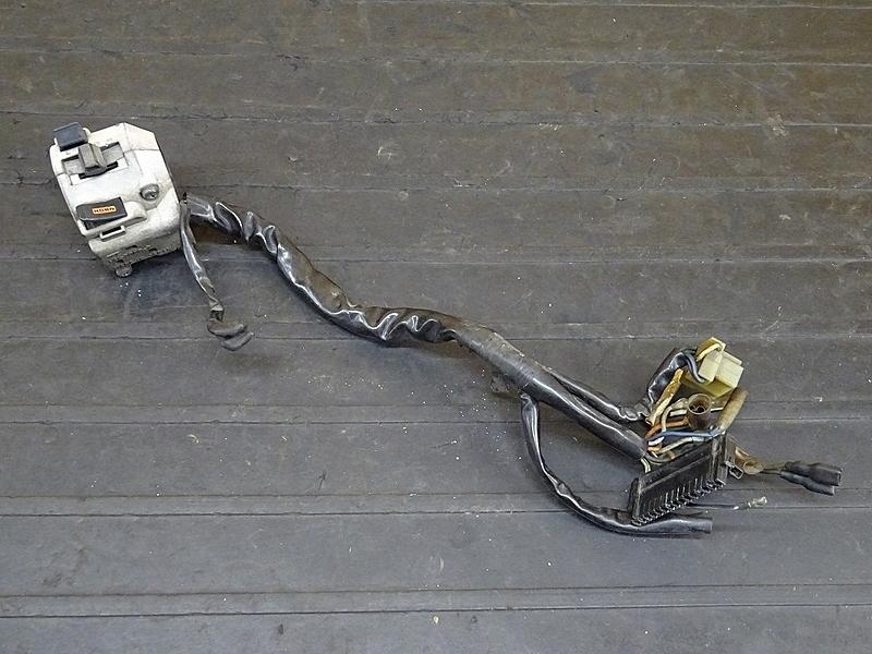 【190806.H】VTZ250(MC15-105)★ ハンドルスイッチ左 スイッチボックス左 | 中古バイクパーツ通販・買取 ジャンクヤード鳥取 JunkYard