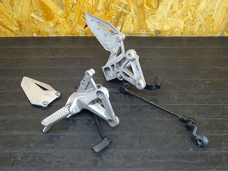 【191030.H】CBR250RR(MC51-1003)★ ステップ左右セット ブレーキペダル チェンジペダル シフトペダル シフトロット 難有!? | 中古バイクパーツ通販・買取 ジャンクヤード鳥取 JunkYard