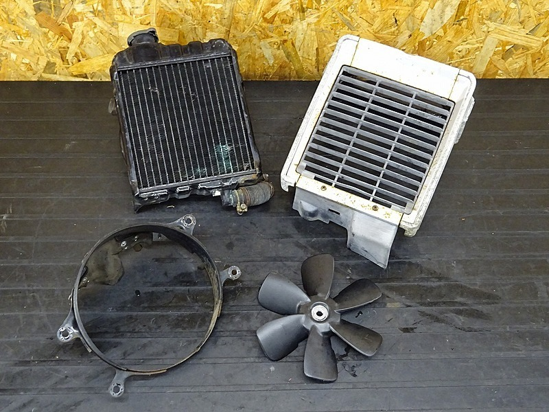 【200214】GL500カスタム(GL500-1005)■ ラジエーター ラジエーターコア ラジエーターファン/カバー 【検:GL400 ウイング CX500 | 中古バイクパーツ通販・買取 ジャンクヤード鳥取 JunkYard