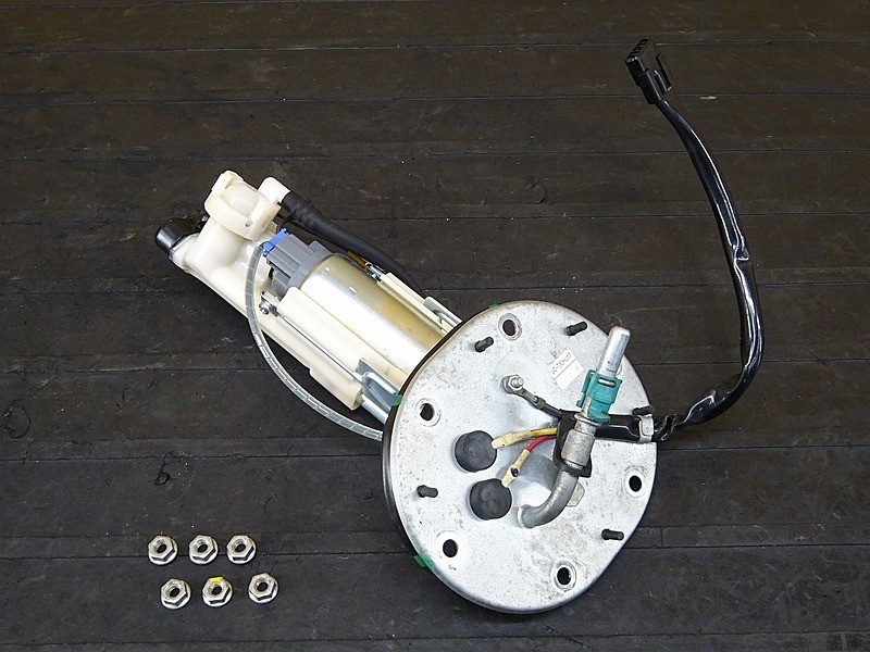 【200330】VTR250 Fi(MC33-1401)■ 燃料ポンプ フューエルポンプ ガソリンポンプ 【インジェクション   中古バイクパーツ通販・買取 ジャンクヤード鳥取 JunkYard