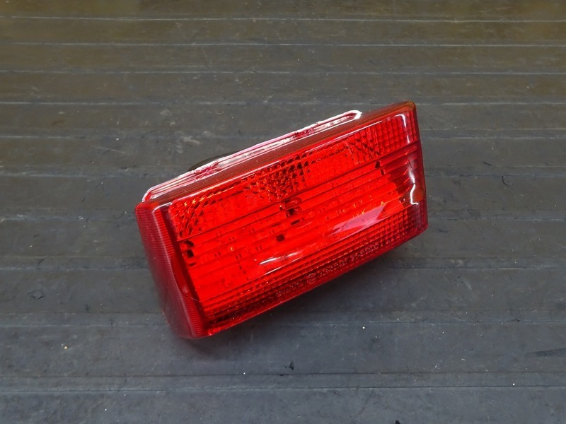 【210628】CB1300SF(SC40-1051)■ 社外LEDテールランプ ブレーキランプ POSH?? | 中古バイクパーツ通販・買取 ジャンクヤード鳥取 JunkYard