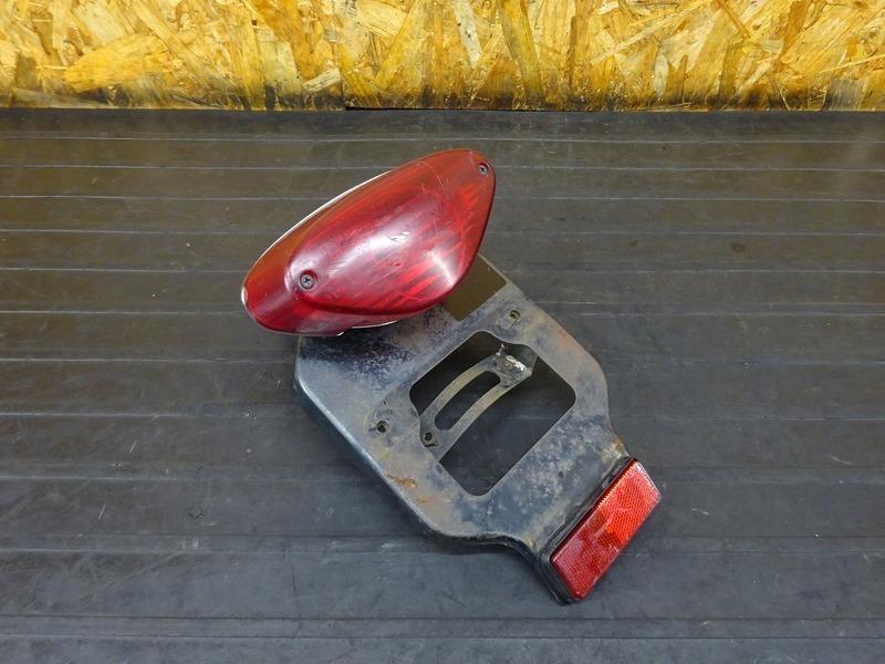 【210708】W650(EJ650A-001)■ テールランプ ブレーキランプ ステー ブラケット | 中古バイクパーツ通販・買取 ジャンクヤード鳥取 JunkYard