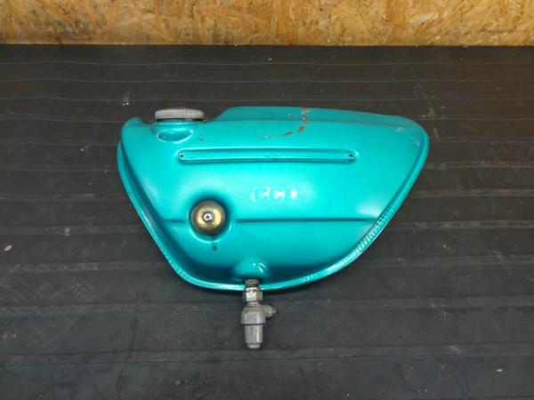 【160724】スズキ T500◆サイドカバー オイルタンク 【タイタン? | 中古バイクパーツ通販・買取 ジャンクヤード鳥取 JunkYard