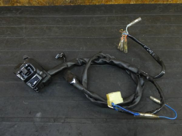 【170517】ブロス400(NC25-1002)◇ハンドルスイッチ 左 チョークレバー | 中古バイクパーツ通販・買取 ジャンクヤード鳥取 JunkYard