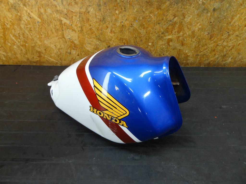 【170831】FTR223(MC34-1009)◆ガソリンタンク 燃料 難有 | 中古バイクパーツ通販・買取 ジャンクヤード鳥取 JunkYard