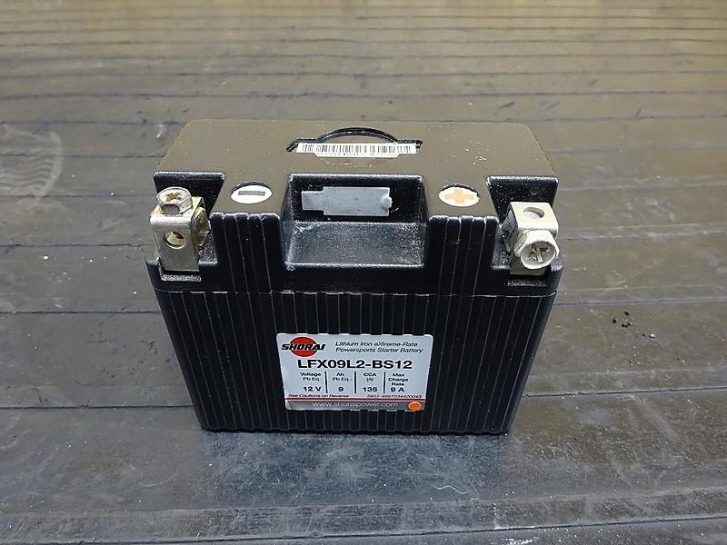 【190227.Y】WR250X(DG15J-001)● リチウムイオンバッテリー SHORAI製 (LFX09L2-BS12) ジャンク | 中古バイクパーツ通販・買取 ジャンクヤード鳥取 JunkYard