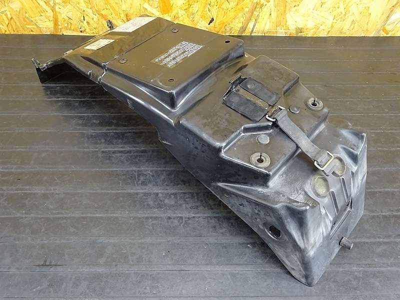 【190924.S】GSX-R1100 '92 N型(GV73A-109)★ インナーフェンダー | 中古バイクパーツ通販・買取 ジャンクヤード鳥取 JunkYard