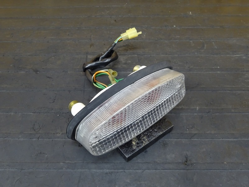 【200728】ホーネット250(MC31-1400)■ 社外クリアテールランプ 前期用?? | 中古バイクパーツ通販・買取 ジャンクヤード鳥取 JunkYard