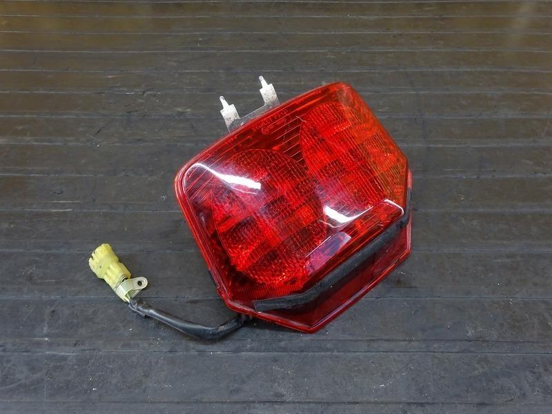 【210513】CB400SF Vtec3(NC39-1204)■ LEDテールランプ ブレーキランプ 【SPEC3 スペック3 VTECⅢ | 中古バイクパーツ通販・買取 ジャンクヤード鳥取 JunkYard