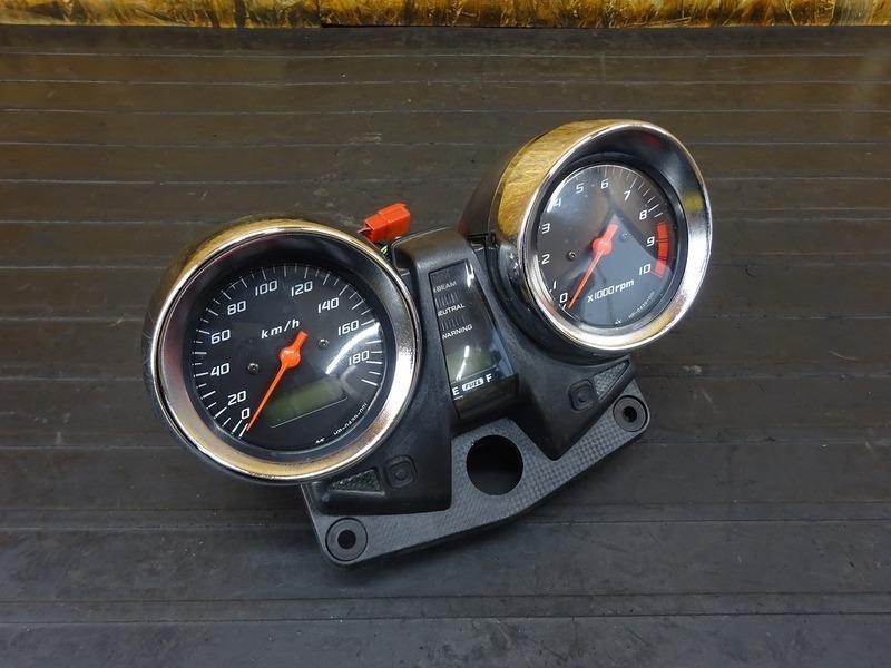 【210628】CB1300SF(SC40-1050)■ スピードメーター タコメーター インジケーターランプ 67997㎞ | 中古バイクパーツ通販・買取 ジャンクヤード鳥取 JunkYard