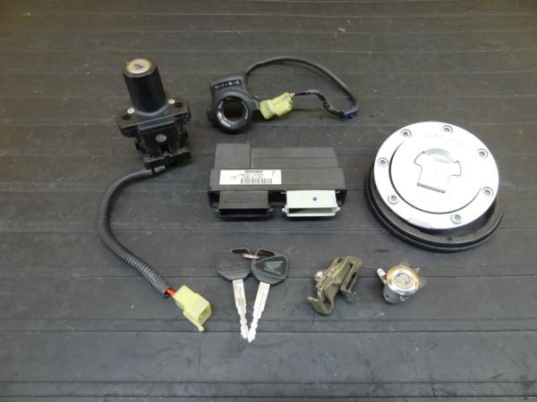 【160818】CBR600RR(PC37)◆キーセット メインスイッチ ECU | 中古バイクパーツ通販・買取 ジャンクヤード鳥取 JunkYard
