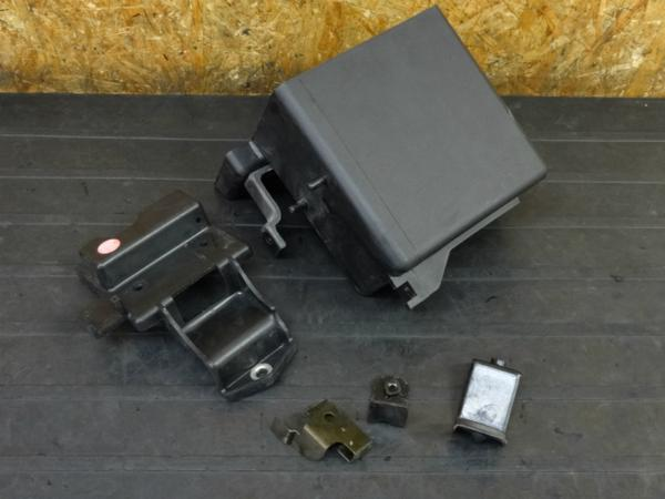 【170214】GPZ400F(ZX400C-012)◇バッテリーボックス ステー 【ZX400A | 中古バイクパーツ通販・買取 ジャンクヤード鳥取 JunkYard