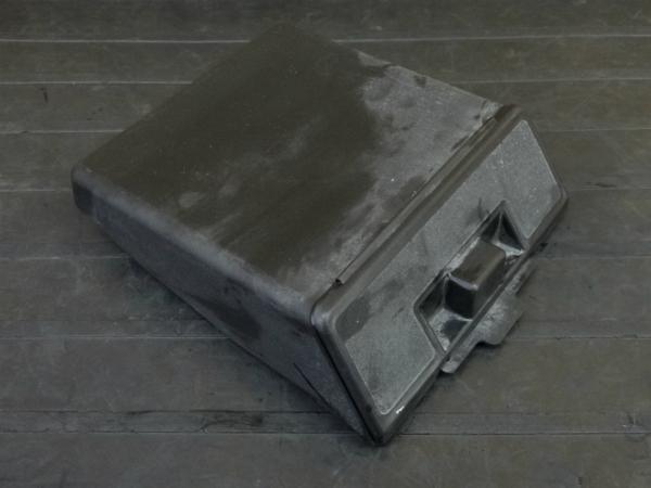 【170214】GPZ400F(ZX400C-012)◇書類入れ ツールボックス 小物入れ 工具 【ZX400A | 中古バイクパーツ通販・買取 ジャンクヤード鳥取 JunkYard