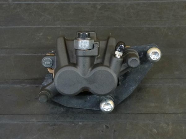 【170315】MT-25(RG10J-017)◆フロントブレーキキャリパー   中古バイクパーツ通販・買取 ジャンクヤード鳥取 JunkYard