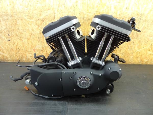 【170801】XL883R '09◆エンジン セルモーター エンジンマウント 部品取りに?? 【スポーツスター | 中古バイクパーツ通販・買取 ジャンクヤード鳥取 JunkYard