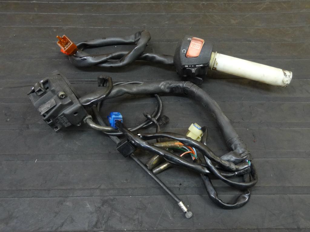 【170904】ホーネット250(MC31-1252)◇ハンドルスイッチ 左右 キルSW ウインカーSW   中古バイクパーツ通販・買取 ジャンクヤード鳥取 JunkYard