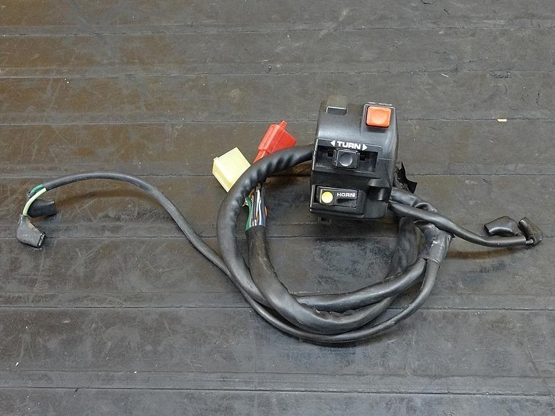 【181005.H】RVF400 (NC35-1100)☆ ハンドルスイッチ左 スイッチボックス | 中古バイクパーツ通販・買取 ジャンクヤード鳥取 JunkYard