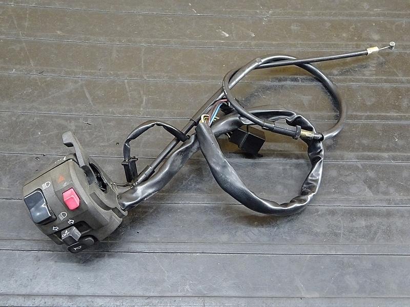 【200108】ZZ-R1100 D9 '01(ZXT10D-075)■ ハンドルスイッチ左 スイッチボックス左 チョークレバー チョークワイヤー 【ZZR1100 ZX-11 | 中古バイクパーツ通販・買取 ジャンクヤード鳥取 JunkYard