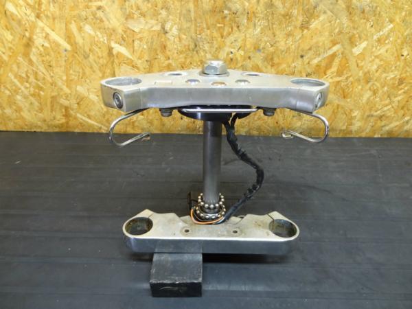 【150826】マグナ250(MC29)◆ステアリングステム トップブリッジ | 中古バイクパーツ通販・買取 ジャンクヤード鳥取 JunkYard