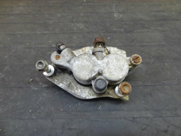 【151124】CRM250(MD24)◆フロントブレーキキャリパー 難有 | 中古バイクパーツ通販・買取 ジャンクヤード鳥取 JunkYard