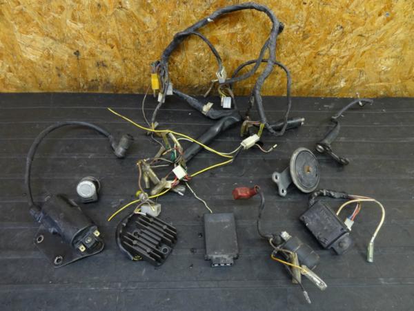 【161216】Z250LTD(KZ250G)◇イグニッションコイル ハーネス電装 | 中古バイクパーツ通販・買取 ジャンクヤード鳥取 JunkYard