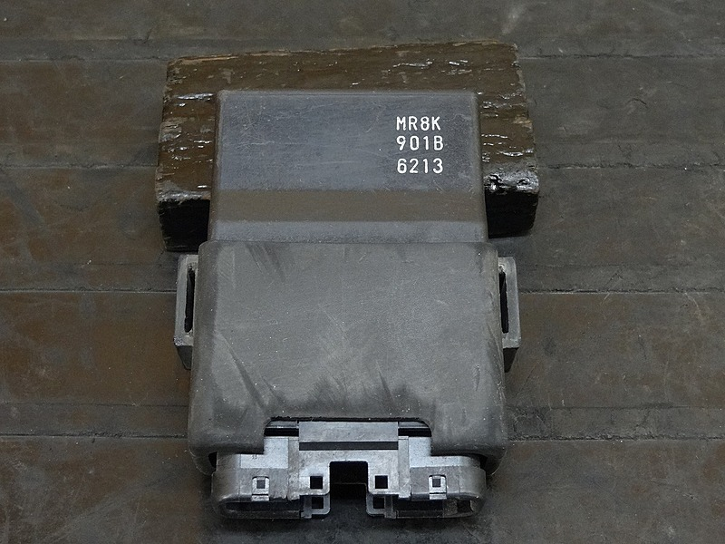 【181005.H】RVF400 (NC35-1100)☆ CDI イグナイター | 中古バイクパーツ通販・買取 ジャンクヤード鳥取 JunkYard