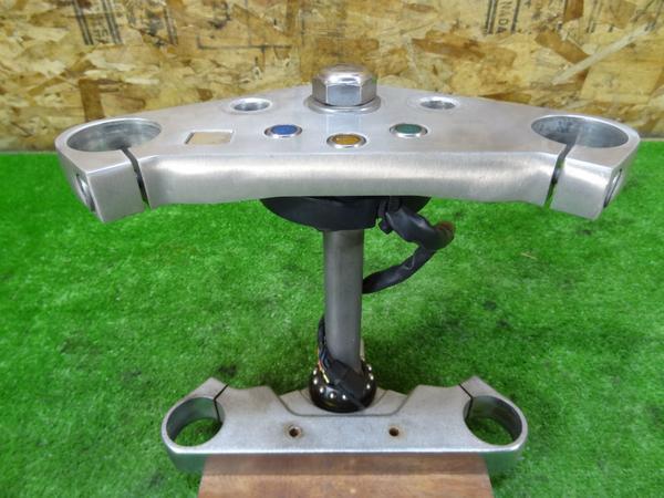 マグナ250(MC29-1027)◎純正ステアリング ステム トップブリッジ | 中古バイクパーツ通販・買取 ジャンクヤード鳥取 JunkYard