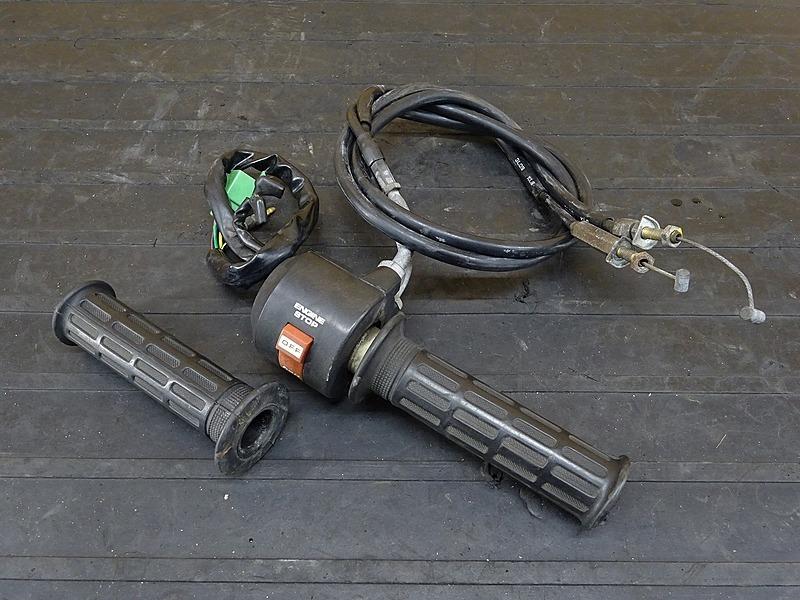 【200204】GB250クラブマン 1型(MC10-1015)■ ハンドルスイッチ右 スイッチボックス右 スロットルワイヤー | 中古バイクパーツ通販・買取 ジャンクヤード鳥取 JunkYard