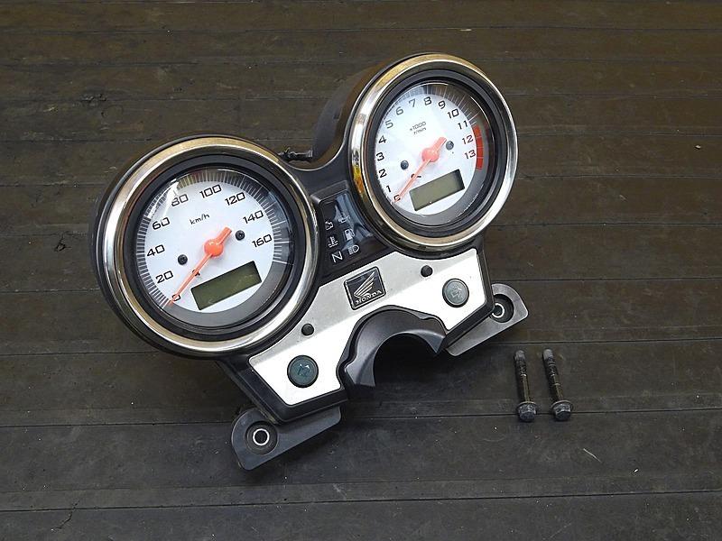 【200330】VTR250 Fi(MC33-1401)■ スピードメーター タコメーター インジケーターランプ ジャンク!! 20028㎞ 【インジェクション   中古バイクパーツ通販・買取 ジャンクヤード鳥取 JunkYard