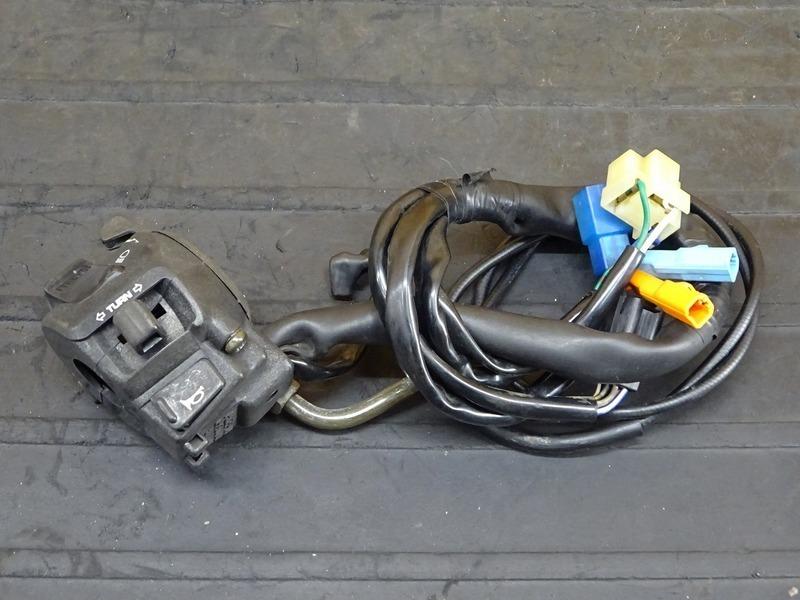 【200728】ホーネット250(MC31-1400)◇ ハンドルスイッチ左 スイッチボックス左 チェークレバー チョークワイヤー | 中古バイクパーツ通販・買取 ジャンクヤード鳥取 JunkYard