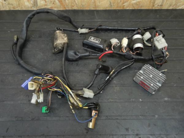 《140528》SR500(2J2)◇メインハーネス CDI レギュレター電装系 | 中古バイクパーツ通販・買取 ジャンクヤード鳥取 JunkYard