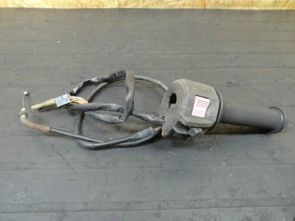 【140729】GSX-R250(GJ72A)◎ハンドルスイッチ 右 スロットル | 中古バイクパーツ通販・買取 ジャンクヤード鳥取 JunkYard