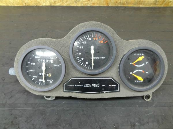 【140729】GSX-R250(GJ72A)◎メーターユニット タコ スピード | 中古バイクパーツ通販・買取 ジャンクヤード鳥取 JunkYard