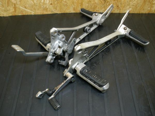 【140830】GS250FW(GJ71A)◎メインステップ ペダル タンデム | 中古バイクパーツ通販・買取 ジャンクヤード鳥取 JunkYard