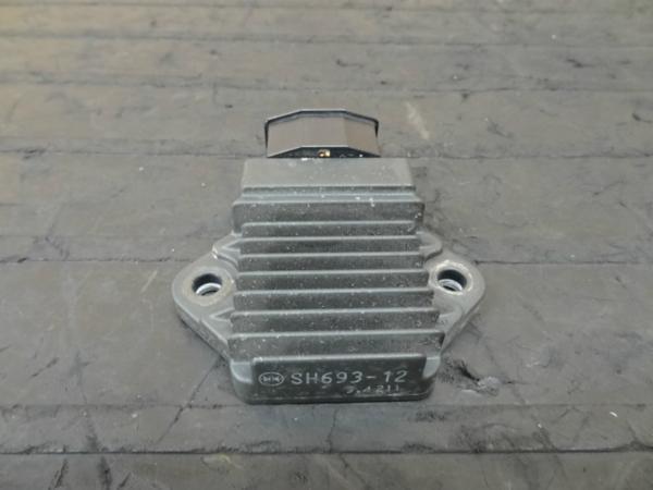 【140913】ゼルビス(MC25)◎レギュレター レギュレーター   中古バイクパーツ通販・買取 ジャンクヤード鳥取 JunkYard