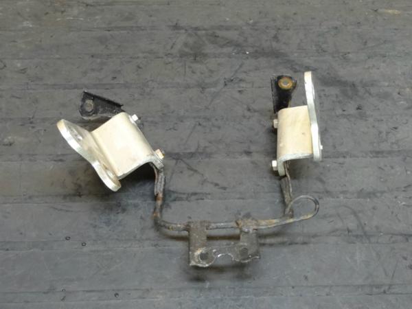 【150216】XJR400(4HM)◆ヘッドライトステー ブラケット 難有 | 中古バイクパーツ通販・買取 ジャンクヤード鳥取 JunkYard