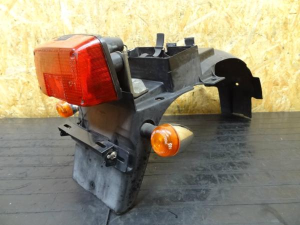 【150403】GSX400Sカタナ(GK77A)◎リアフェンダー テール 難有 | 中古バイクパーツ通販・買取 ジャンクヤード鳥取 JunkYard