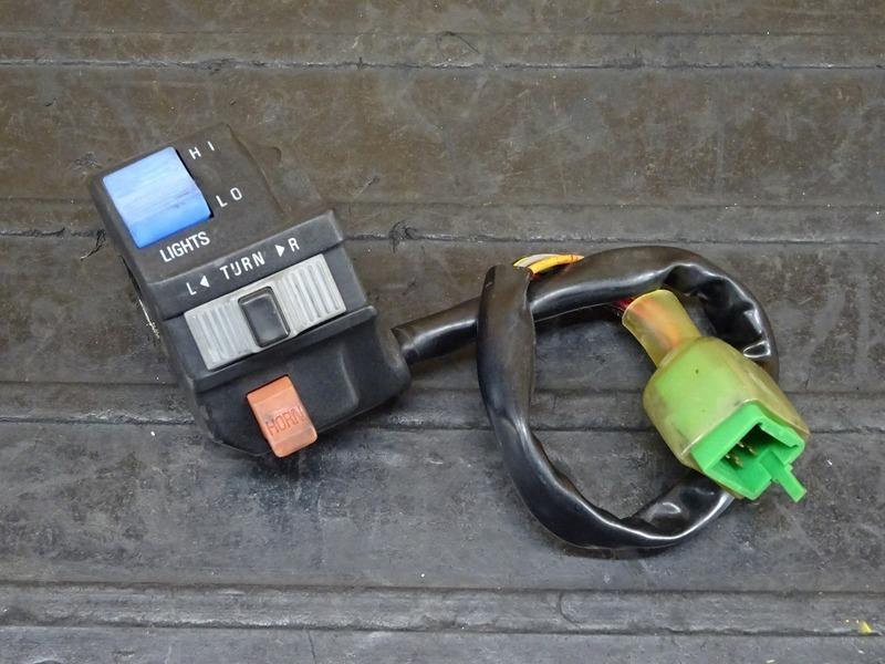 【210405】Dトラッカー/250SB◇ ハンドルスイッチ左 スイッチボックス左 ※検:KLX250 LX250E LX250L | 中古バイクパーツ通販・買取 ジャンクヤード鳥取 JunkYard
