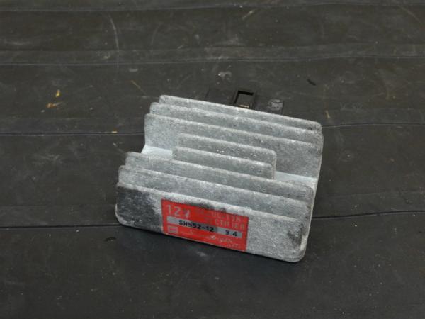 【160924】GPZ250(EX250C)◆レギュレーター レギュレター | 中古バイクパーツ通販・買取 ジャンクヤード鳥取 JunkYard