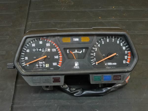 【160924】GPZ250(EX250C)◆スピードメーター タコメーター | 中古バイクパーツ通販・買取 ジャンクヤード鳥取 JunkYard