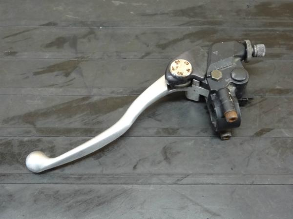 【170126】ZZR250(EX250H-051)◆クラッチレバーホルダー | 中古バイクパーツ通販・買取 ジャンクヤード鳥取 JunkYard