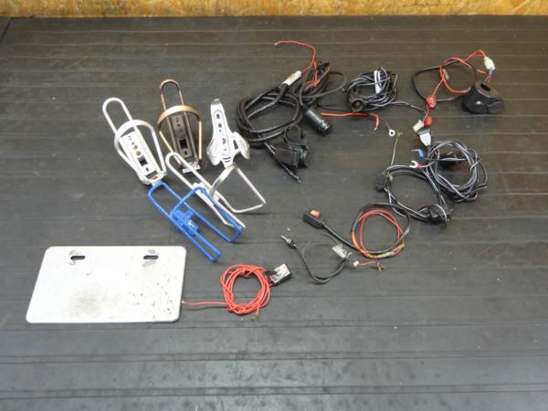 [170709]ツーリンググッズ◆ドリンクホルダー シガーソケット USB スイッチ ナンバーホルダー 多数   中古バイクパーツ通販・買取 ジャンクヤード鳥取 JunkYard