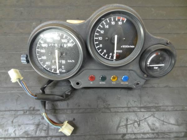 【140709】FZR250(2KR)◎メーターユニット スピード タコ【3HX | 中古バイクパーツ通販・買取 ジャンクヤード鳥取 JunkYard