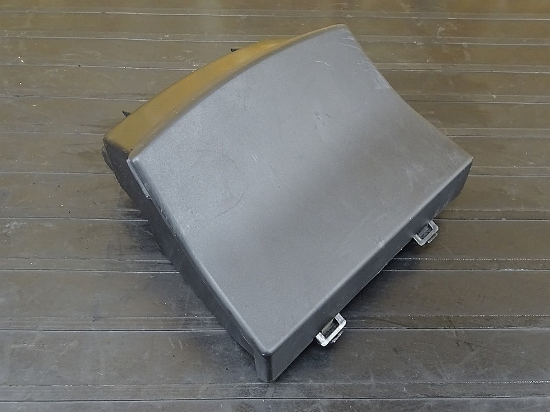【200115】ZRX1200S(ZRT20A-020)■ 小物入れ 【ZRX1200R | 中古バイクパーツ通販・買取 ジャンクヤード鳥取 JunkYard