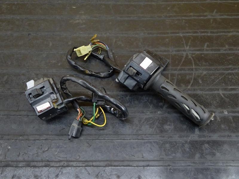【210216】R1-Z(3XC-003)● ハンドルスイッチ左右セット スイッチボックス | 中古バイクパーツ通販・買取 ジャンクヤード鳥取 JunkYard
