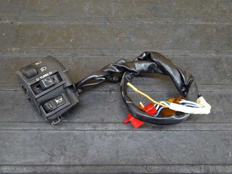 【210623】FTR223(MC34-1603)◇ ハンドルスイッチ左 スイッチボックス左   中古バイクパーツ通販・買取 ジャンクヤード鳥取 JunkYard